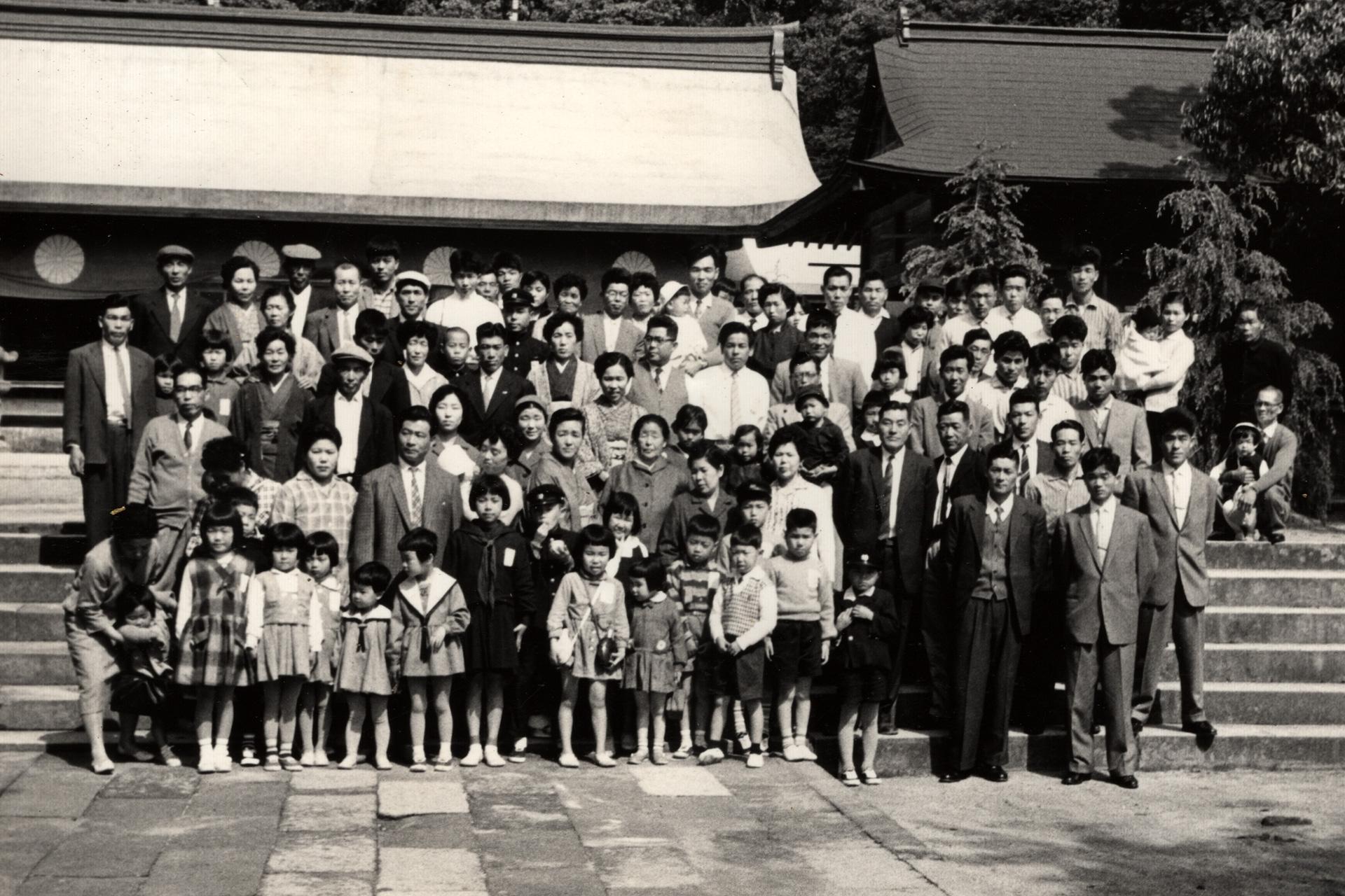 昭和35年 社員と花見